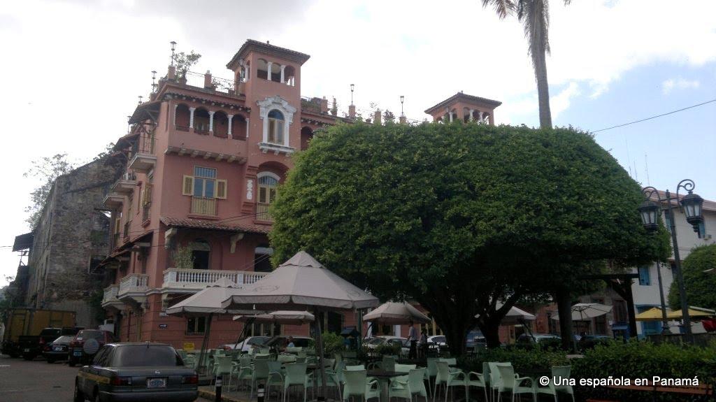 plaza bolivar hotel colombia
