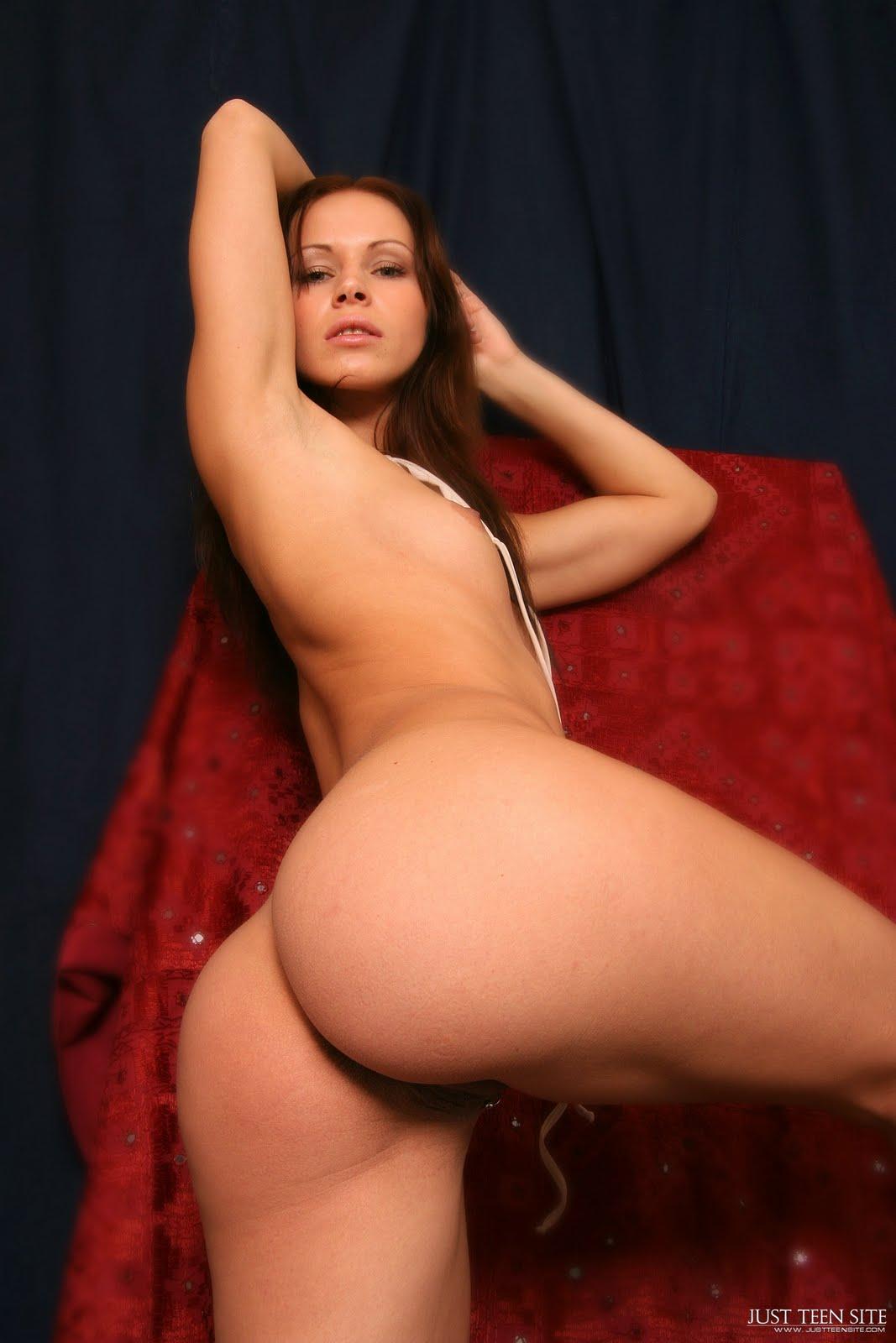 Chica Teen Desnuda
