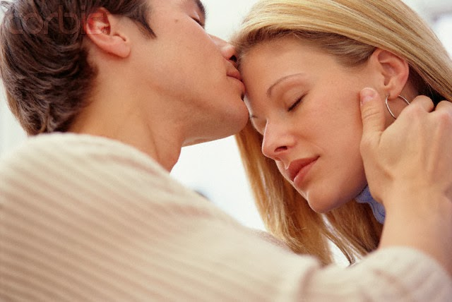 how to kiss a girl on the neck № 256636
