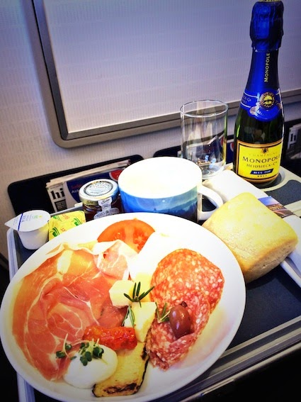 Business Class Breakfast on British Airways from London to Hamburg. Cheese Charcuterie and Champagne!