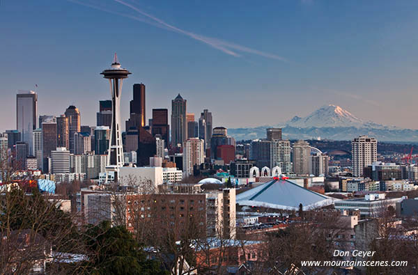 The city of Seattle from Kerry Park on Queen Anne Hill, Seattle, Washington, USA.