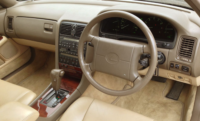 1990 Lexus LS400 UK interior