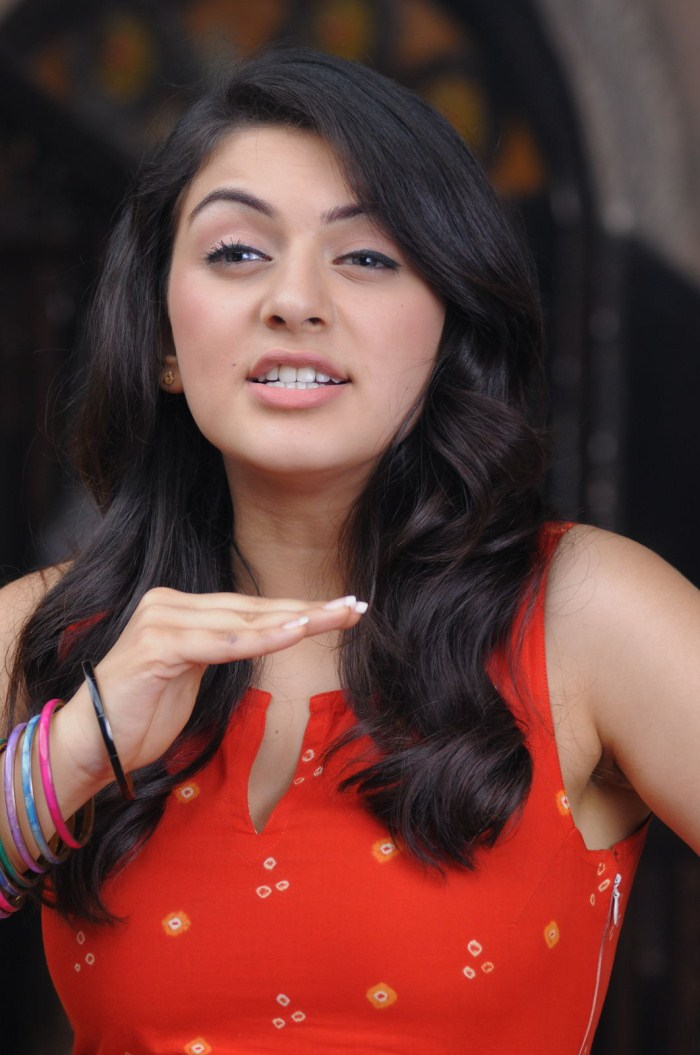 Hansika Motwani1 - Hansika Motwani in Red Suit