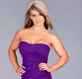 Kaitlyn Hot