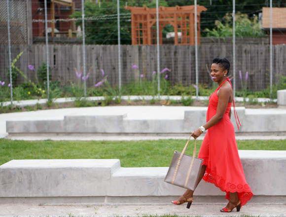 Red dress venus location