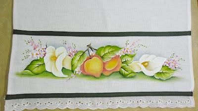 pano de copa com pintura de pessegos e flores