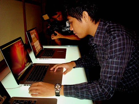 Mark Milan Macanas, Macbook Pro Philippines