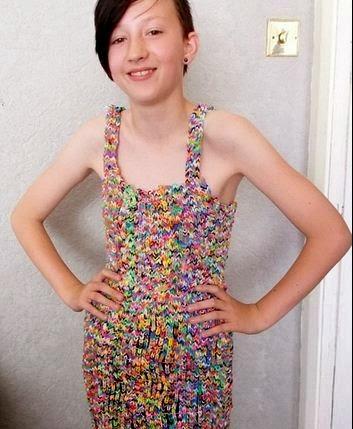 Este Vestido de (gomitas) vendido en eBay por US$230 mil