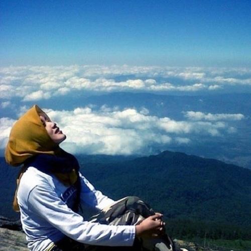 Pendaki Dan Puncak Gunung - 10 Alasan Untuk Mendaki Gunung