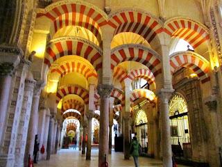 Masjid Cordoba atau Mezquita-Catedral de Cordoba.