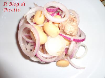 insalata di cipolle di tropea, fagioli e tonno calabrese