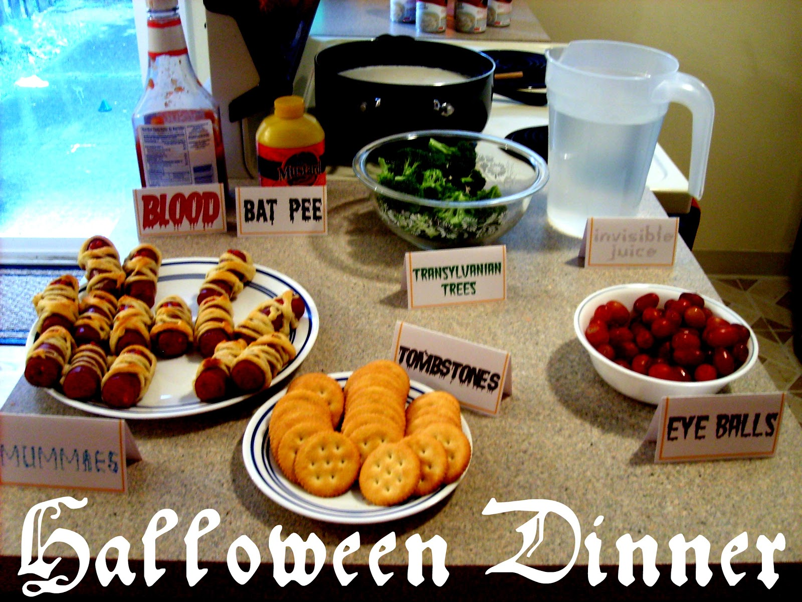 the red kitchen: Halloween Dinner (with free printable!)