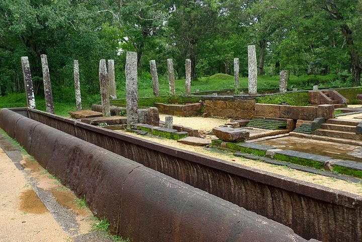 Canoe rice, stone trough, Anuradhapura, monastery refectory, Abhayagiri Vihara, ruins, temple, Sri Lanka