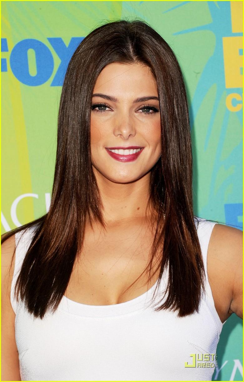 Ashley Greene Straight Hairstyles