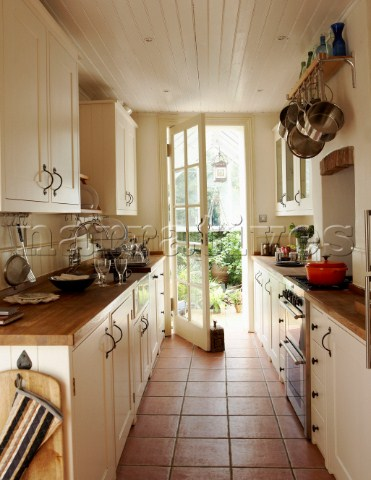 1000 ideas about small galley kitchens on pinterest for Small narrow kitchen