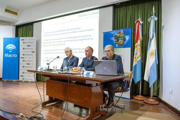 Disertación sobre Reforma Tributaria y Coparticipación Federal. Santa Fe 30 de marzo 2017.