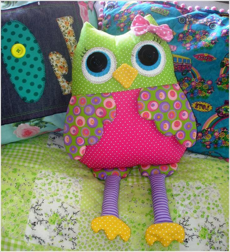����: �����, �������, �������. Owls: bags, pillows, toys, purses
