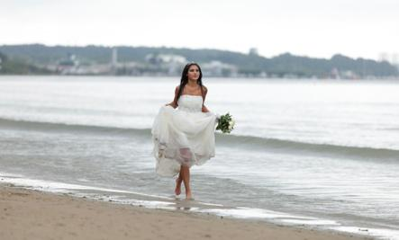 4 Reasons Why There's More to Life Than Marriage  - bride running on sea beach