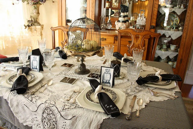 vintage halloween tablescape
