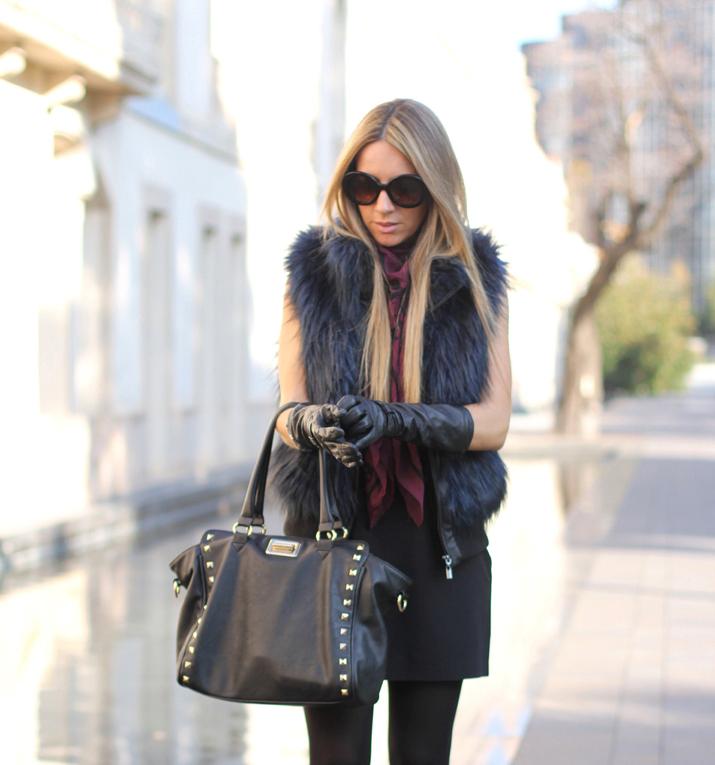 Combinar un vestido negro de invierno. Blog de moda Mes Voyages à Paris