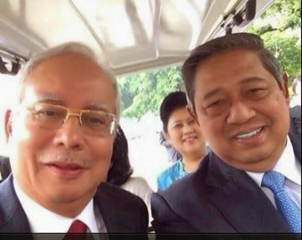 Gambar Fenomena Foto Selfie Terbaru Pak Presiden Narsis