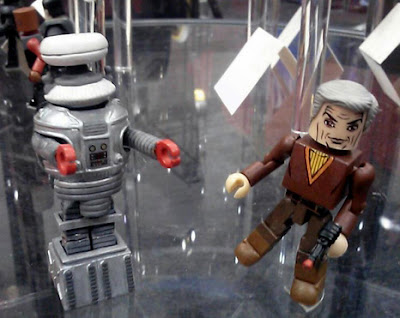 Diamond Select Lost in Space Minimates - The Robot and Dr. Smith
