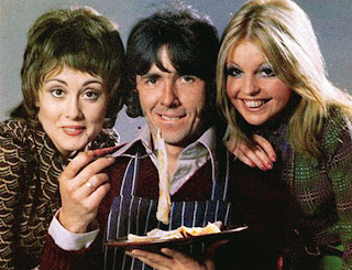"""Serie británica producida por Thames Televisión en 1973. Es el comienzo de la pareja """"Los Roper"""""""