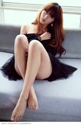 Li Qi Wen in Black