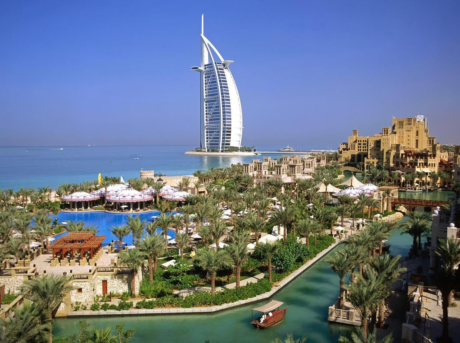 Accomadation in the world burj al arab hotel in dubai for Dubai burj al arab