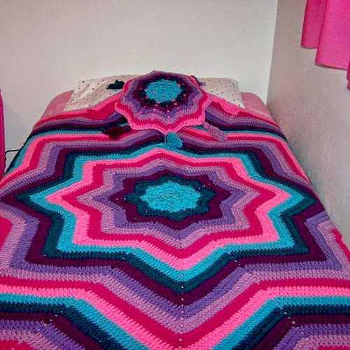 Ripples of Color Star Afghan and Pillow
