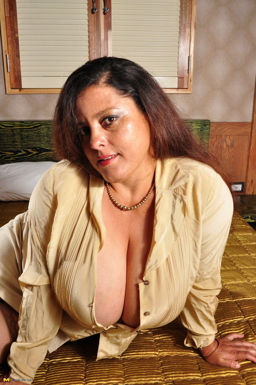 Milf queen carrie ann in sexy outfit taking bbc - 1 part 1