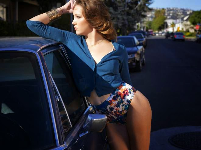 Katie Cassidy Photo Gallery