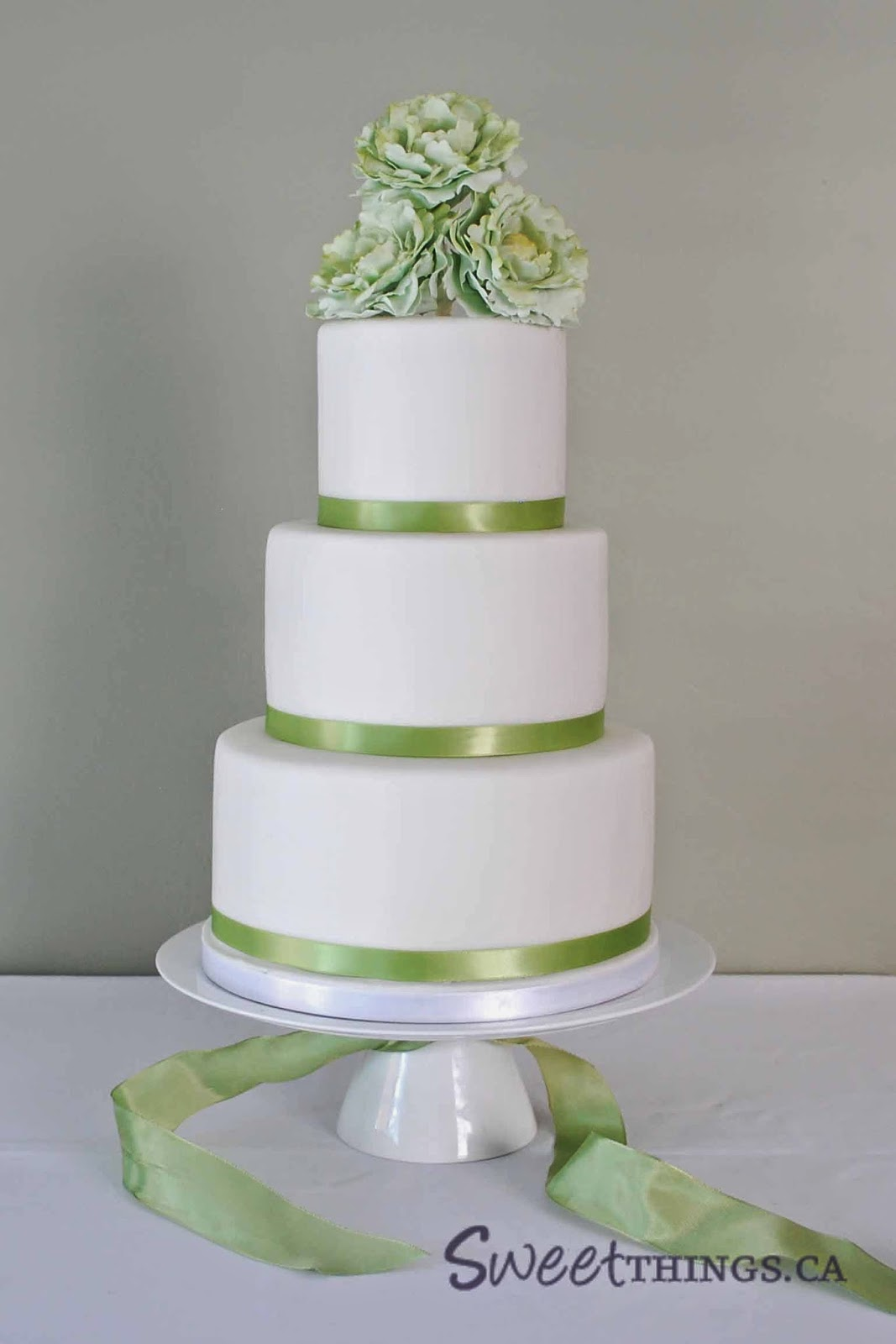SweetThings Green And White Wedding Cake