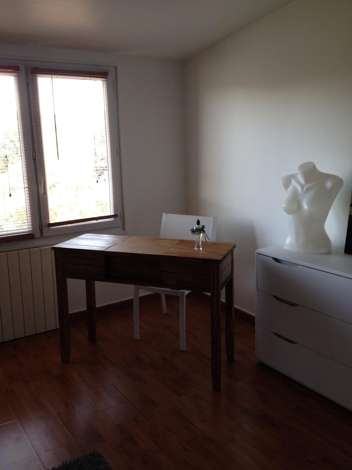 trendy ma jolie coiffeuse sobre et lgante prix canon alina with alinea thionville. Black Bedroom Furniture Sets. Home Design Ideas