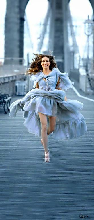 SJP in Chanel sarah Jessica parker sex city brookyln bridge. Amo esta pic.