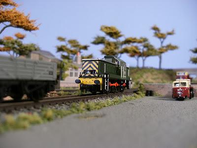 N gauge class 14 D9555 shunting in Littleford goods yard