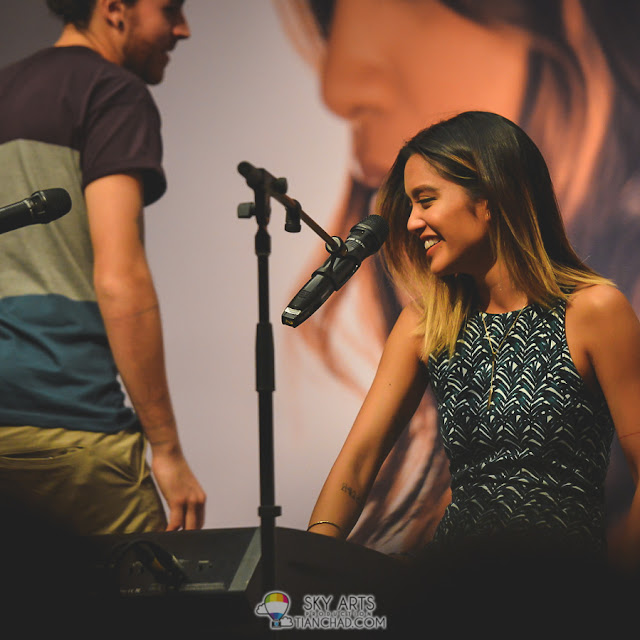 Awwww that sweet smile - Carissa from Us The Duo