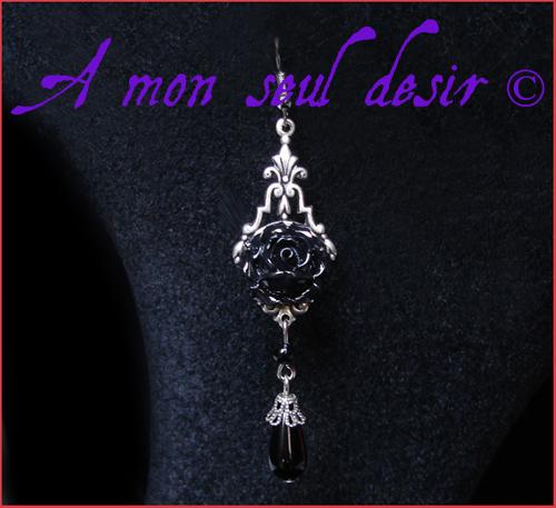 boucles d'oreilles gothique victorien romantique rose noire fleur noire black flower gothic lolita goth victorian romantic earrings