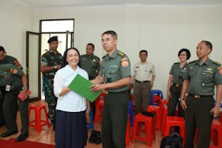 Panitia Natal Bersama Mabes TNI Gelar Baksos