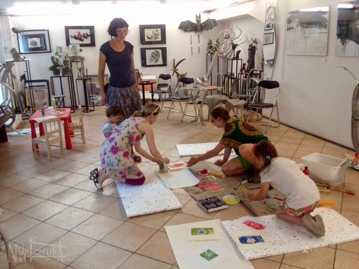 Warsztaty artystyczne dla dzieci w Galerii 8+. 2014