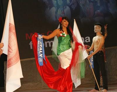 Anna Galeone al Miss Globe 2011 in Albania eletta Miss Friendship