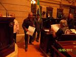 Secretario recebendo Moção na Camará do Rio