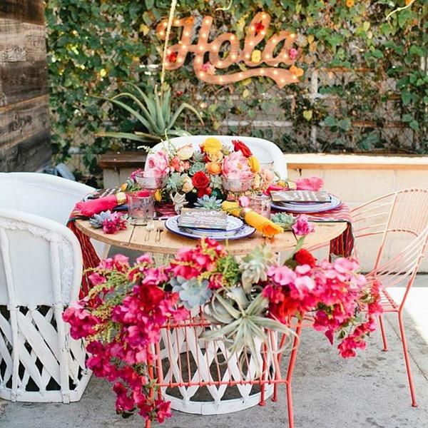 Megan Bravinder // Bright Pink Florals & Hola Marquee Sign