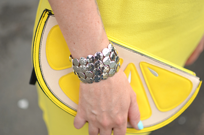 lemon-slice-clutch-bag