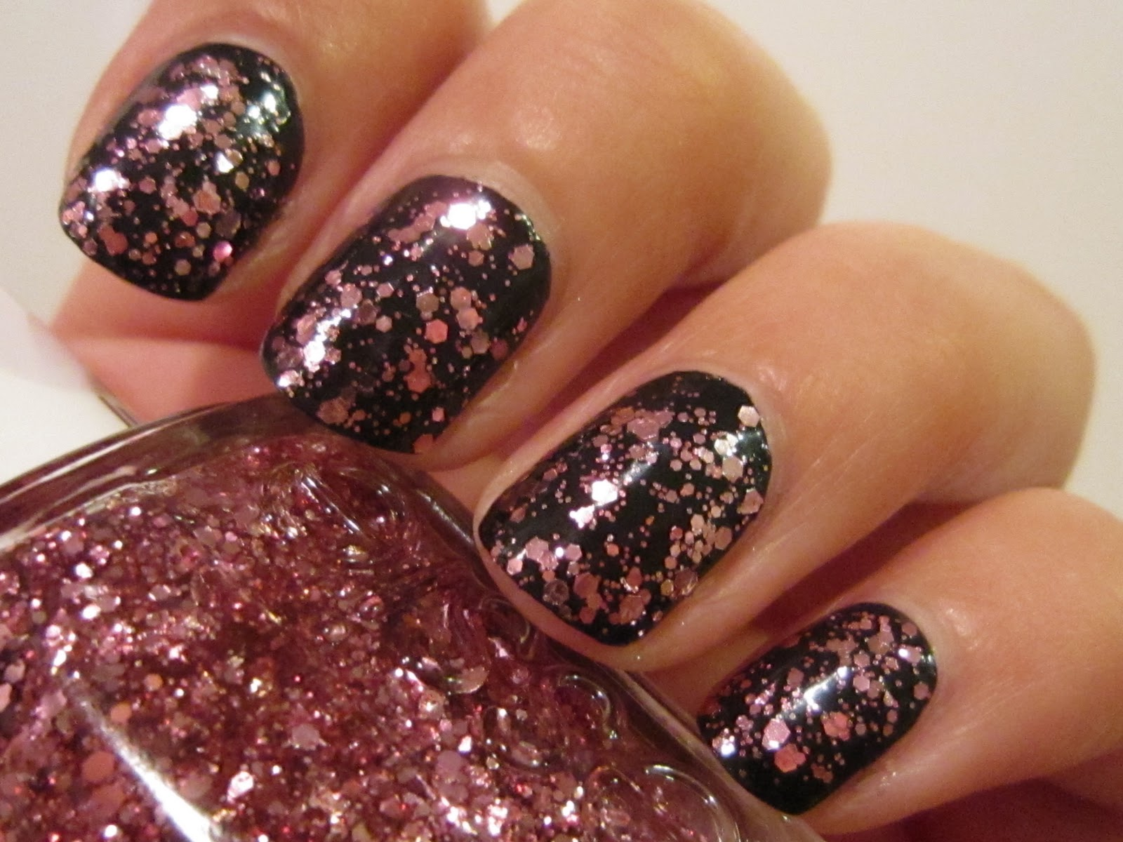 The Lacquer Lounge: Essie - A Cut Above (Luxeffects ... Essie A Cut Above Alone