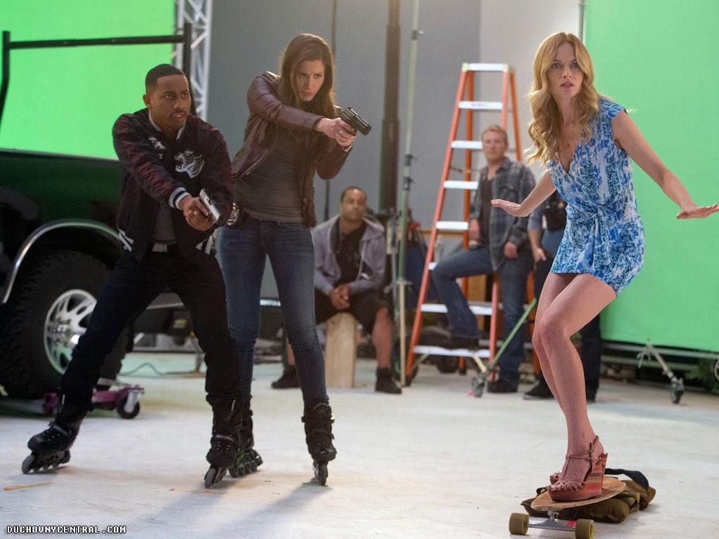 Brandon T. Jackson as Hashtag, Mercedes Masohn as Amy Taylor Walsh and Heather Graham as Julia in Californication (Season 7, Episode 8