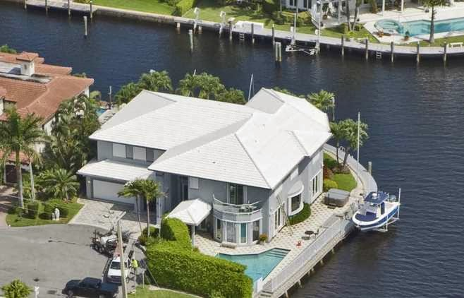 FOR SALE: BOCA HARBOUR point lot, 209 ft of waterfront, 5 bedroom, 6.5 baths, 6640 liv sq ft