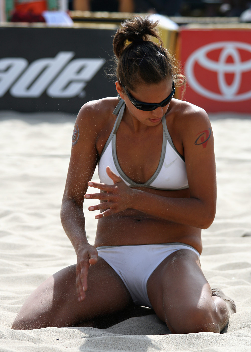 Tom Logan Hot Volleyball Female Player Images And Wallpapers