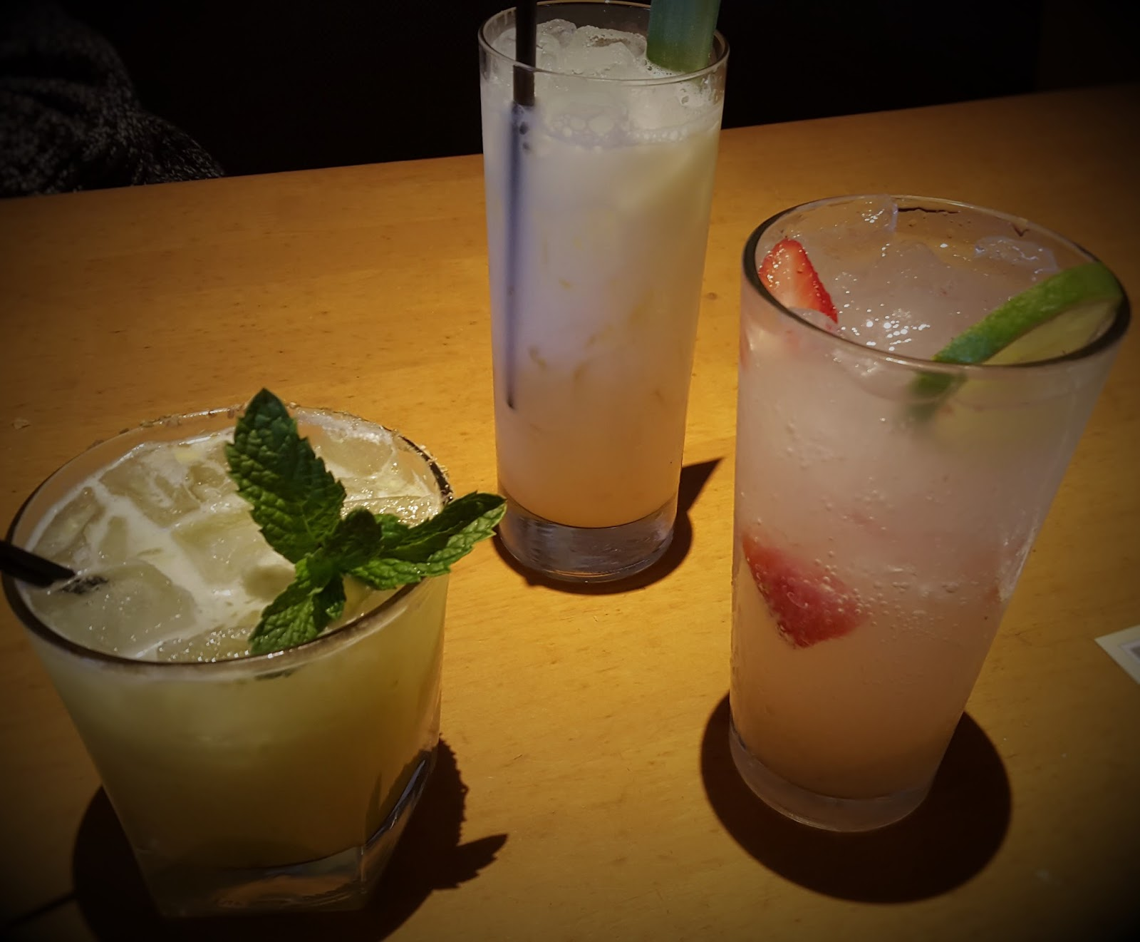 girly girl giveaways california pizza kitchen restaurant review