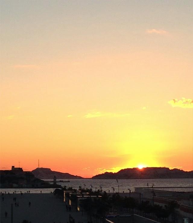 Quartier le Panier -coucher de soleil  Marseille  ©lovmint